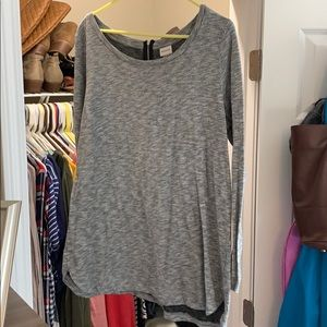 Women's gray long sleeved top